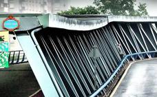 Un tramo peatonal del puente Euskalduna seguirá cerrado «tres o cuatro días» por seguridad