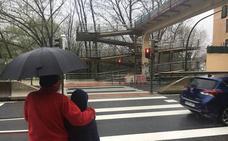 El Ayuntamiento pide a la Diputación permiso para retirar la pasarela sobre la N-634 de Urreta