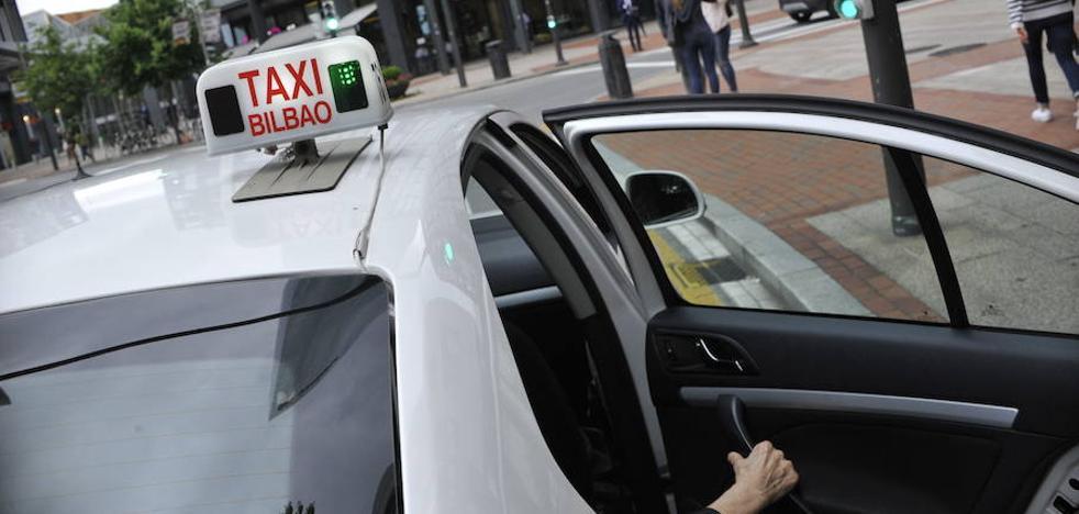 El Ayuntamiento niega que la parada de taxis de la nueva Termibus esté a 250 metros: «Como mucho a 100 y por zona peatonal»