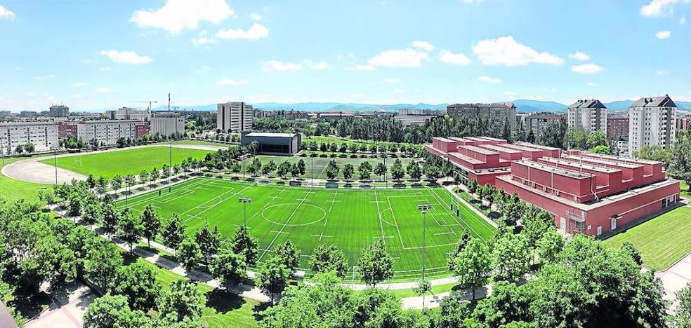 El Ayuntamiento de Vitoria estudia reformar dos campos de fútbol para evitar el plante de los clubes
