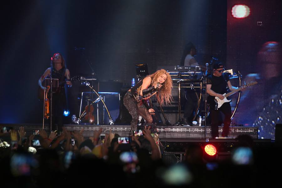 Shakira hace vibrar al BEC