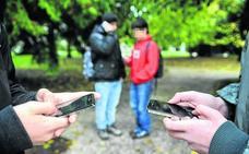 Educación da libertad a los colegios vascos para fijar sus normas de uso de móviles