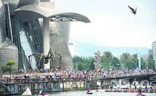 Red Bull y el Ayuntamiento negocian traer a Bilbao la final de saltos de 2019