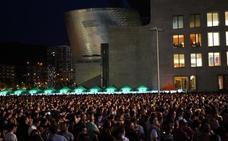 El concierto de Vetusta Morla destapa las carencias de la explanada del Guggenheim