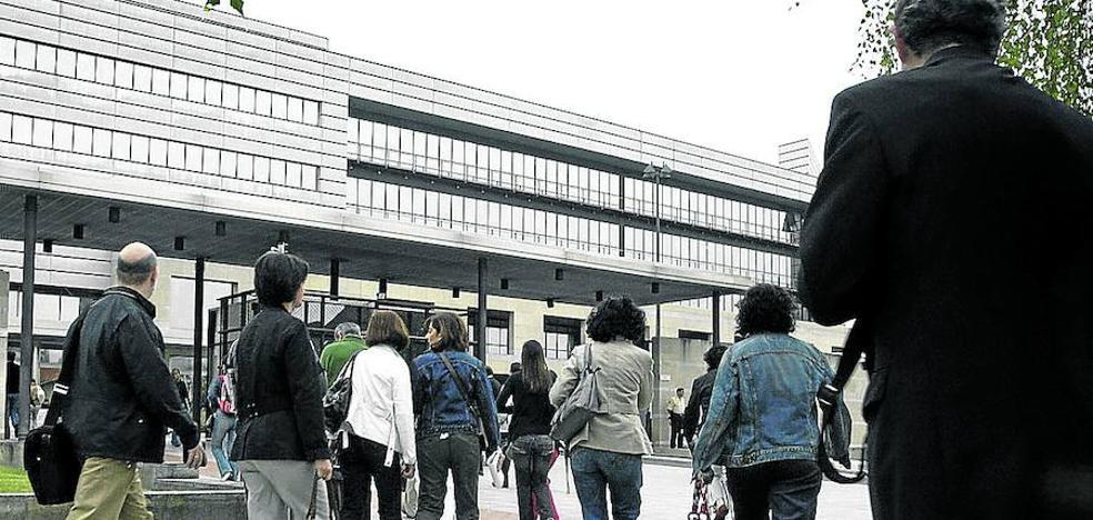 Los sindicatos exigen al Gobierno vasco que no retrase el incremento de sueldos