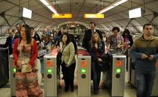 Transporte público a 500 metros... pero un 35% de los vizcaínos sólo viaja en coche