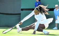 Serena gana en Wimbledon, aunque denota ansiedad
