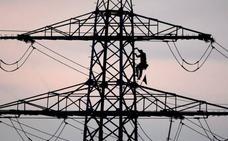 Un corte en la línea eléctrica deja sin luz a particulares y empresas de Vitoria