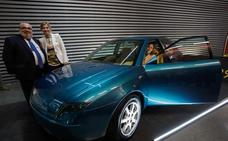 Sale a la luz el prototipo del coche diseñado por López Arriortua 20 años después