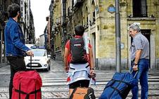 La regulación fuerza el cierre de 272 pisos turísticos en Bizkaia en menos de un año