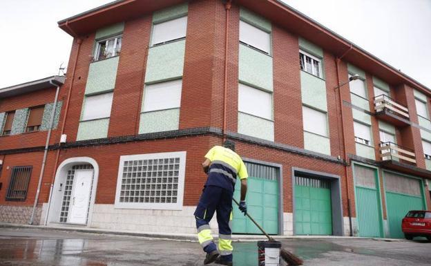 Un anciano asesina a su mujer «con principios de alzheimer» y se tira por la ventana en Asturias