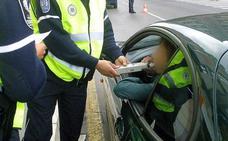 La Policía Local de Vitoria intensifica los controles de alcoholemia