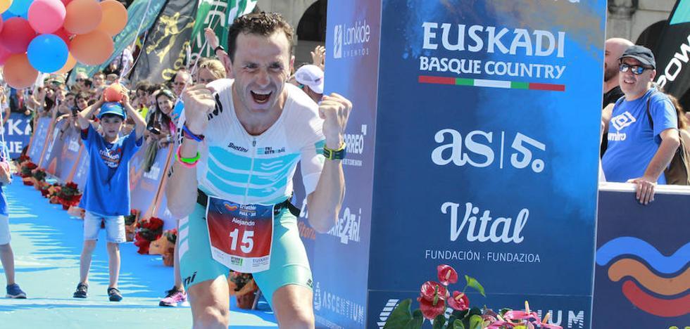 Alejandro Santamaría y Sonja Skevin rompen los pronósticos y vencen en la distancia 'full' del triatlón de Vitoria