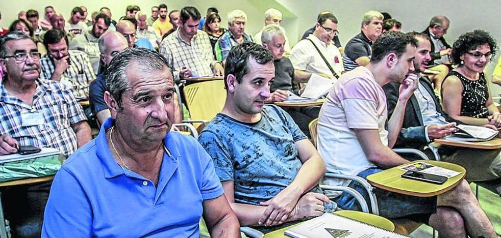 El Ayuntamiento de Vitoria reacciona para evitar el plante del fútbol alavés