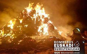 Un rayo provoca el incendio de una pajera en Álava