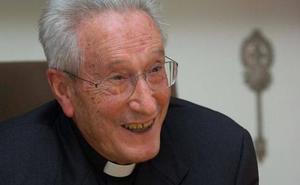 El obispo Setién, en estado grave tras sufrir un ictus
