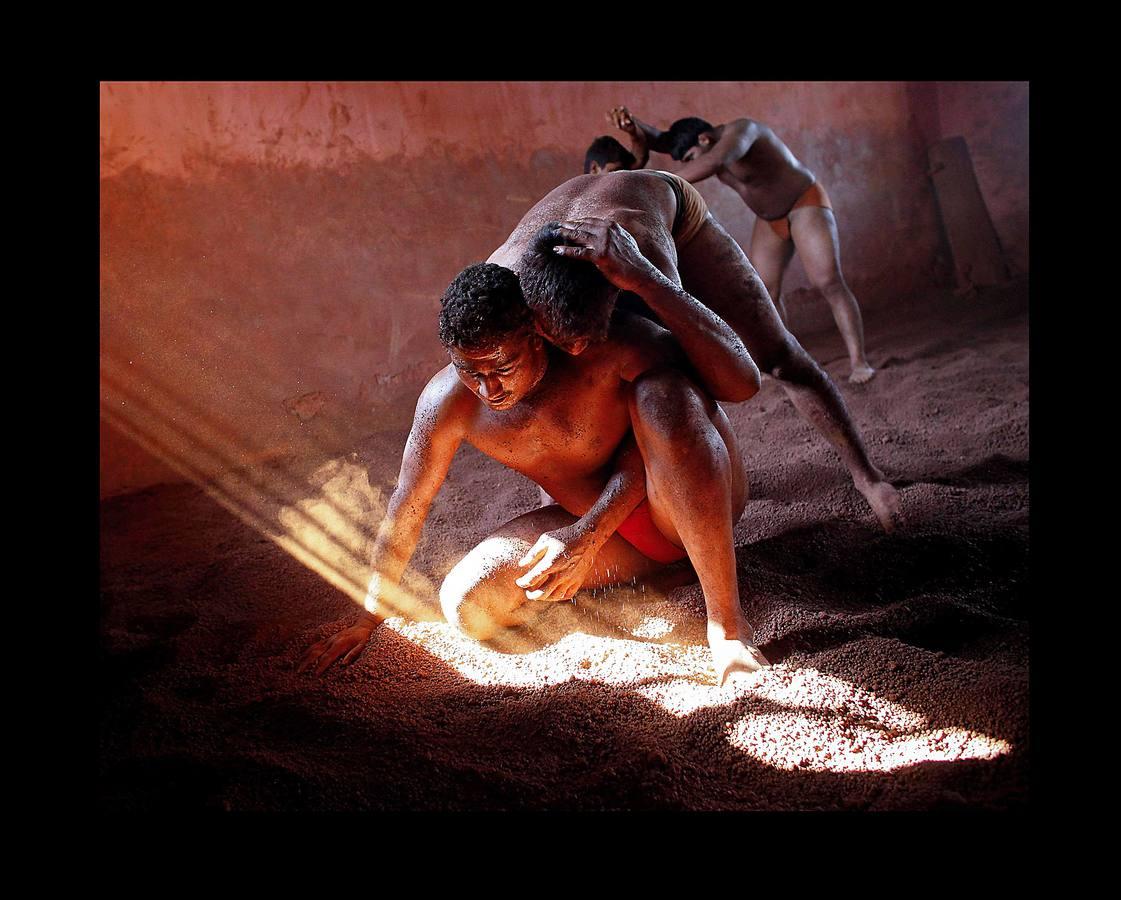 Luchadores en tierra sagrada