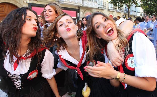 Día Del Blusa Y De La Neska 2018 Programa De Fiestas De Santiago En Vitoria Gasteiz El Correo