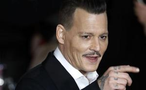 Johnny Deep, acusado de agresión
