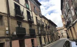 Un nuevo informe insta al desalojo de los vecinos del inmueble de Linares Rivas