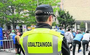 La Policía Municipal judicializa su demanda para portar armas en Eibar
