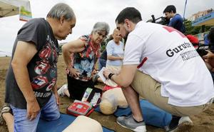 Cruz Roja impartirá cursos de primeros auxilios y reanimación en 20 playas vizcaínas