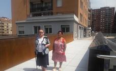«Estamos encantados con la rampa nueva porque en Urbi vivimos muchas personas mayores»