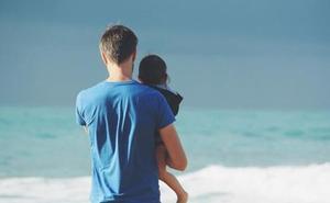 «Los bebés por debajo del año deberían evitar la playa, en especial, los menores de seis meses»