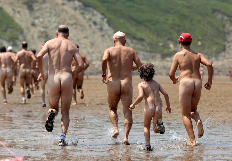 Carrera nudista en La Salvaje