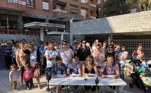 Profesores y padres de Galdakao protestan por el retraso de la nueva haurreskola