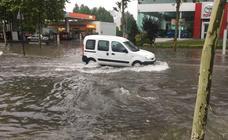 La tormenta caída en Vitoria provoca grandes inundaciones