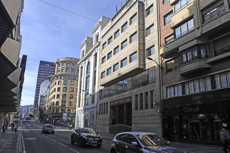 Cuatro años de cárcel por romper el cráneo a un hombre que le debía dinero en un bar de Bilbao