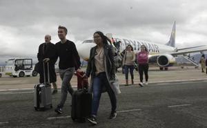 Ryanair potencia los enlaces de Foronda a Tenerife y Milán con doce vuelos más en Navidad