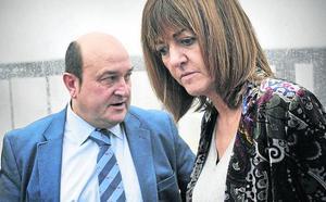 El PNV traslada en privado a Sánchez y al PSE que buscará un acuerdo transversal sobre el Estatuto
