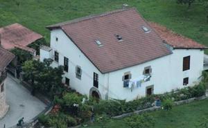 Huye al monte tras atrincherarse diez horas en una casa de Cantabria y herir a un guardia civil en un intenso tiroteo