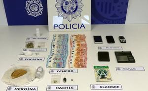 Detienen a tres personas en Vitoria dedicadas al tráfico de drogas en Gipuzkoa