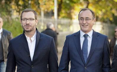 Alonso apuesta por quedarse en Euskadi y Maroto entraría en la dirección si gana Casado