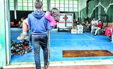Evacúan a 53 niños del grupo scout de Amurrio por fuertes lluvias en Cantabria