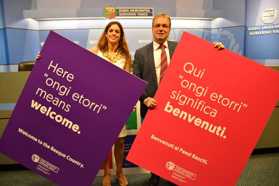 Euskadi da el 'ongi etorri' en ocho idiomas para «contrarrestar» la turismofobia