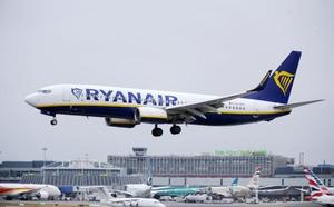 Ryanair prevé reducir vuelos invernales y su flota si continúan las huelgas