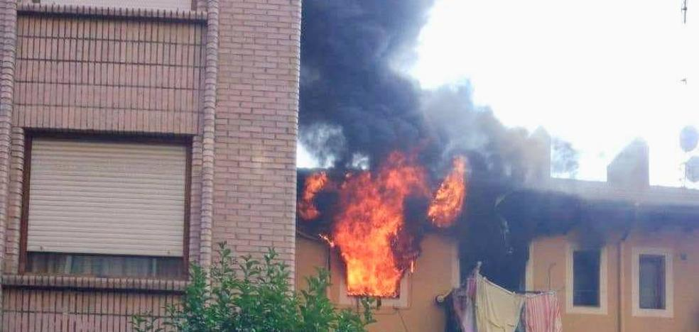 Un incendio en Santurtzi obliga a desalojar un edificio