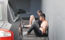 Fuera de peligro el ertzaina apuñalado por los ladrones a los que sorprendió robando en su casa de Barrika