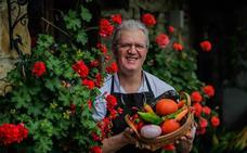 Javier Ormaetxea: «Decimos a los clientes que escojan los tomates»