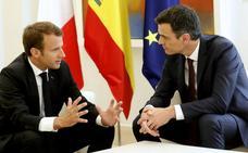 España y Francia acuerdan convocar una cumbre regional sobre inmigración