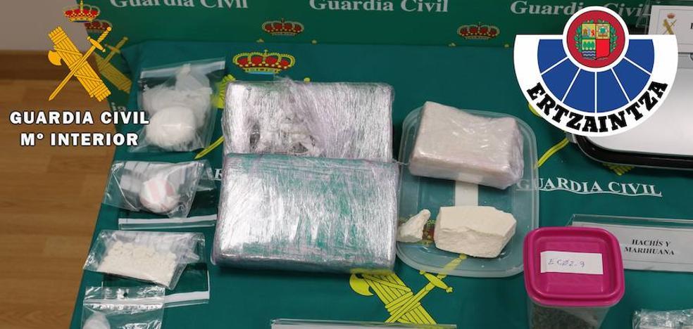 Desarticulan una red dirigida desde Barakaldo que vendía droga en Euskadi y Navarra