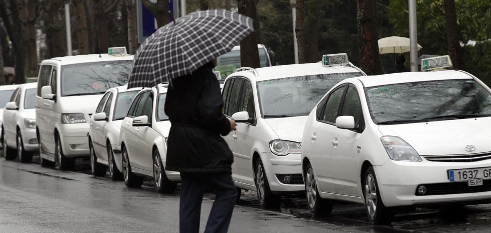 Vitoria apuesta por una flota de taxis eléctricos