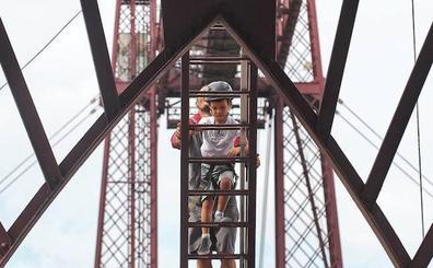 El Puente Colgante cumple 125 años convertido en una atracción turística