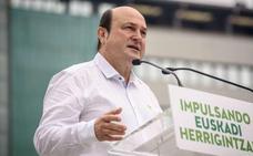 Ortuzar anuncia que el PNV seguirá «dando estabilidad» al Gobierno