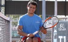 AENA expedienta a la empresa que no dejó viajar al tenista cordobés Cisco García con su silla de ruedas