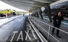 Los taxistas vizcaínos se suman a la huelga contra las licencias de Uber y Cabify